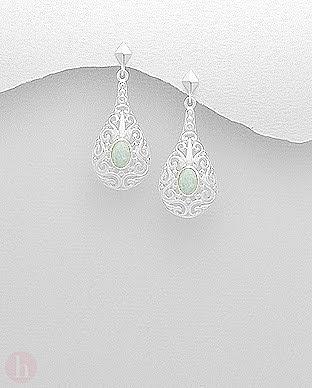 Cercei eleganti model filigran lacrima din argint si piatra alba