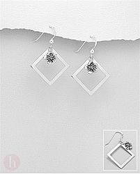 Cercei geometrici din argint model romb cu floare