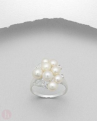 Inel argint cu 8 perle de cultura si cristale de Cubic Zirconia