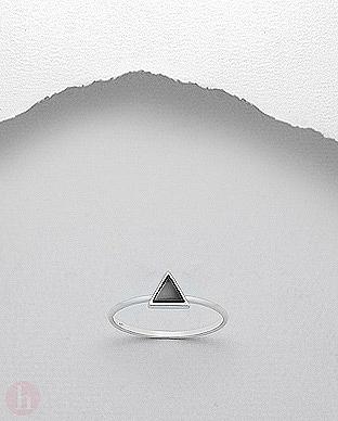 Inel argint cu piatra neagra triunghi