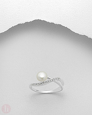 Inel cu perla alba si cristale de Zirconia