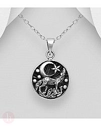 Pandantiv din argint cu lup, luna si stea
