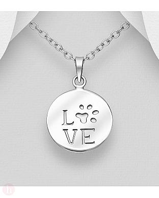 Pandantiv din argint cu text LOVE si labuta de catel